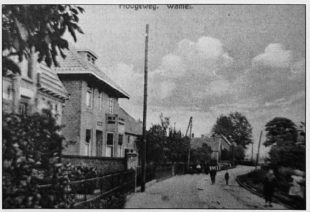 De trambaan in de Hogeweg, ter hoogte waar nu Huize Henricus staat. Toen deze foto gemaakt