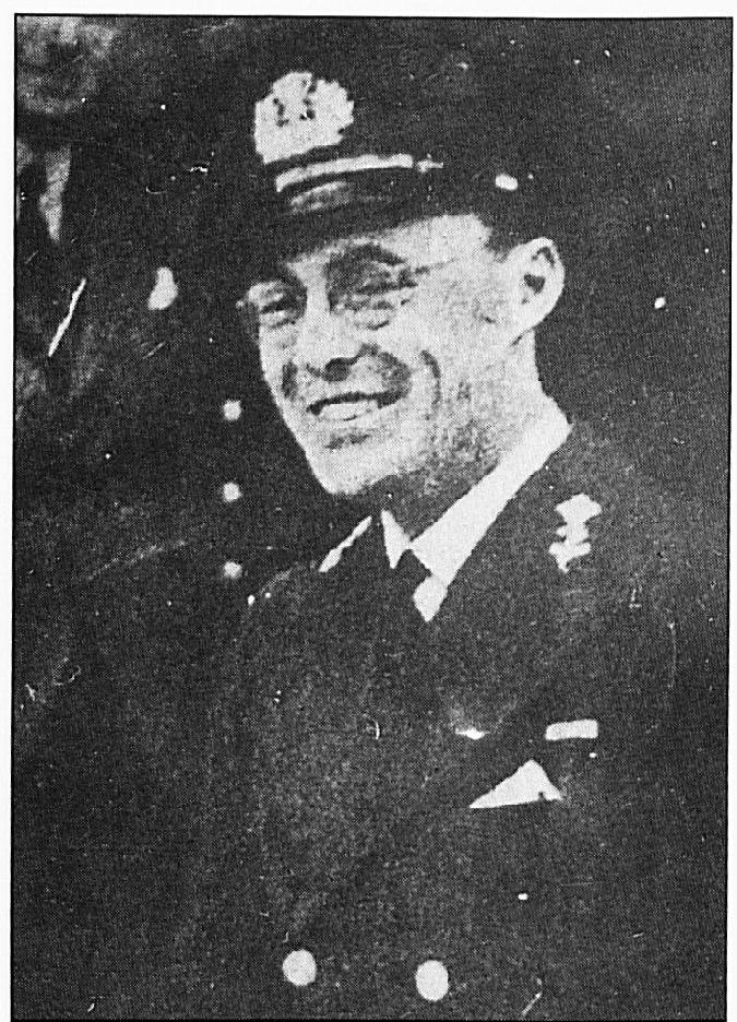 Prins Bernhard in Engeland. Dergelijke foto's werden tijdens de bezetting o.a. door geallieerde vliegtuigen gedropt.