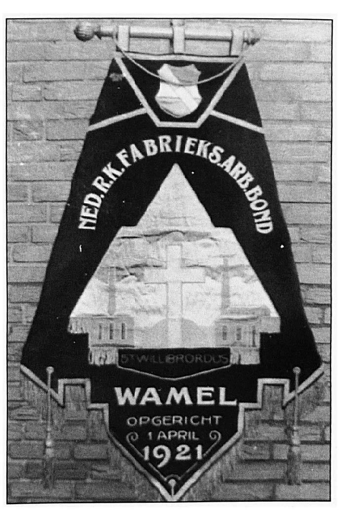 Het eerste Vaandel uit 1921.