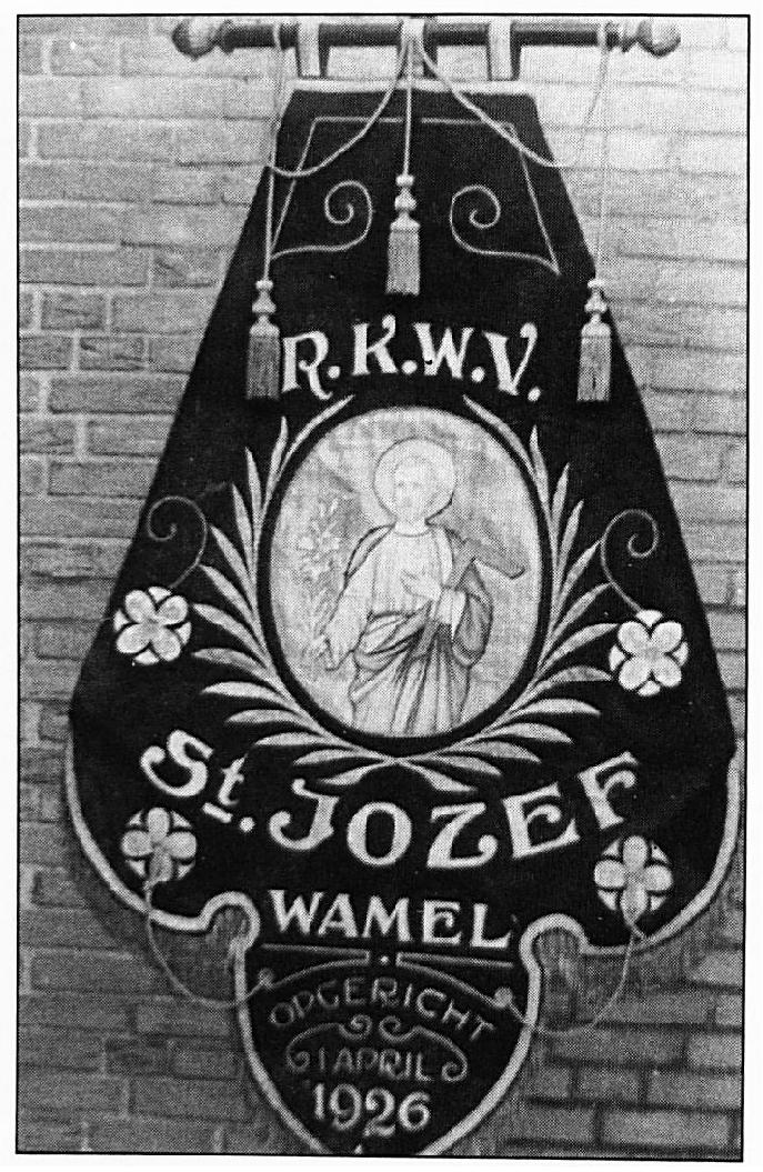 """Het vaandel van """"St. Jozef' uit 1926."""