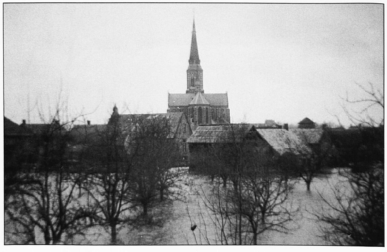 Een blik op Wamel vanuit de Kerkstraat.