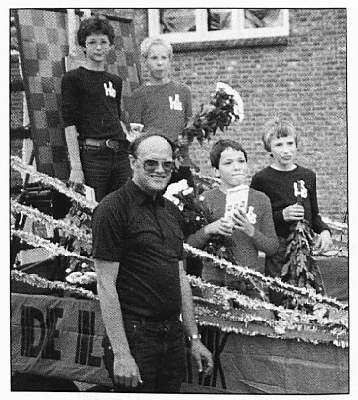 Ferdinand Gremmen, Adrie v.d. Geer, Erik Reijnen en Erik Bouman behaalden in 1981 de vierde plaats bij het Nationaal schooldamkampioenschap.