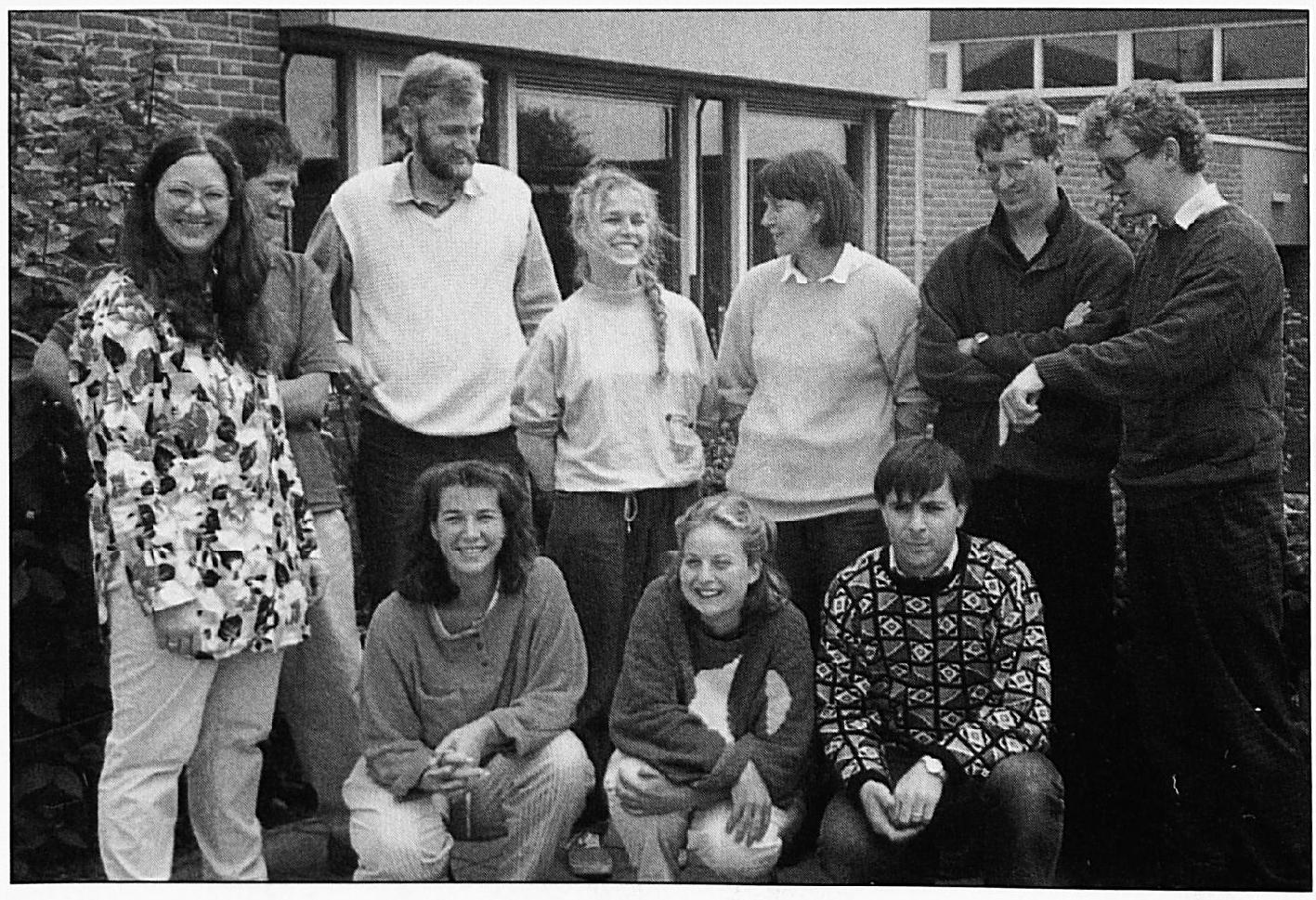 Het team van De Laak in 1988: v.l.n.r. staand: Annie van Ooijen, Tonnie Zeeuwen, Theo de Vries, Henny Lam, Trix de Lorijn, Piet Donkers, Gerard Janssen. Daarvoor: Marie-José de Waard, Monique v.d. Donk en Kees de Haas.